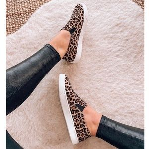LAST FEW✨ leopard print sneakers slip on
